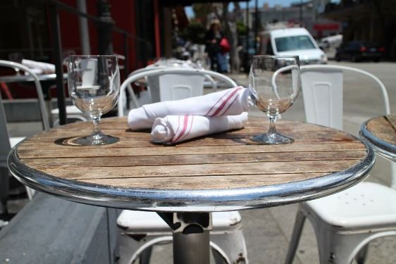 Restaurant-Sidewalk-Dinner-Cafe-Dining-Table